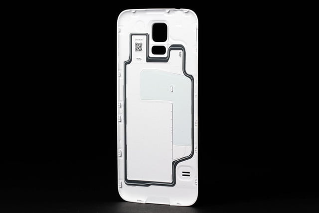 Samsung Galaxy S5 review rear cover