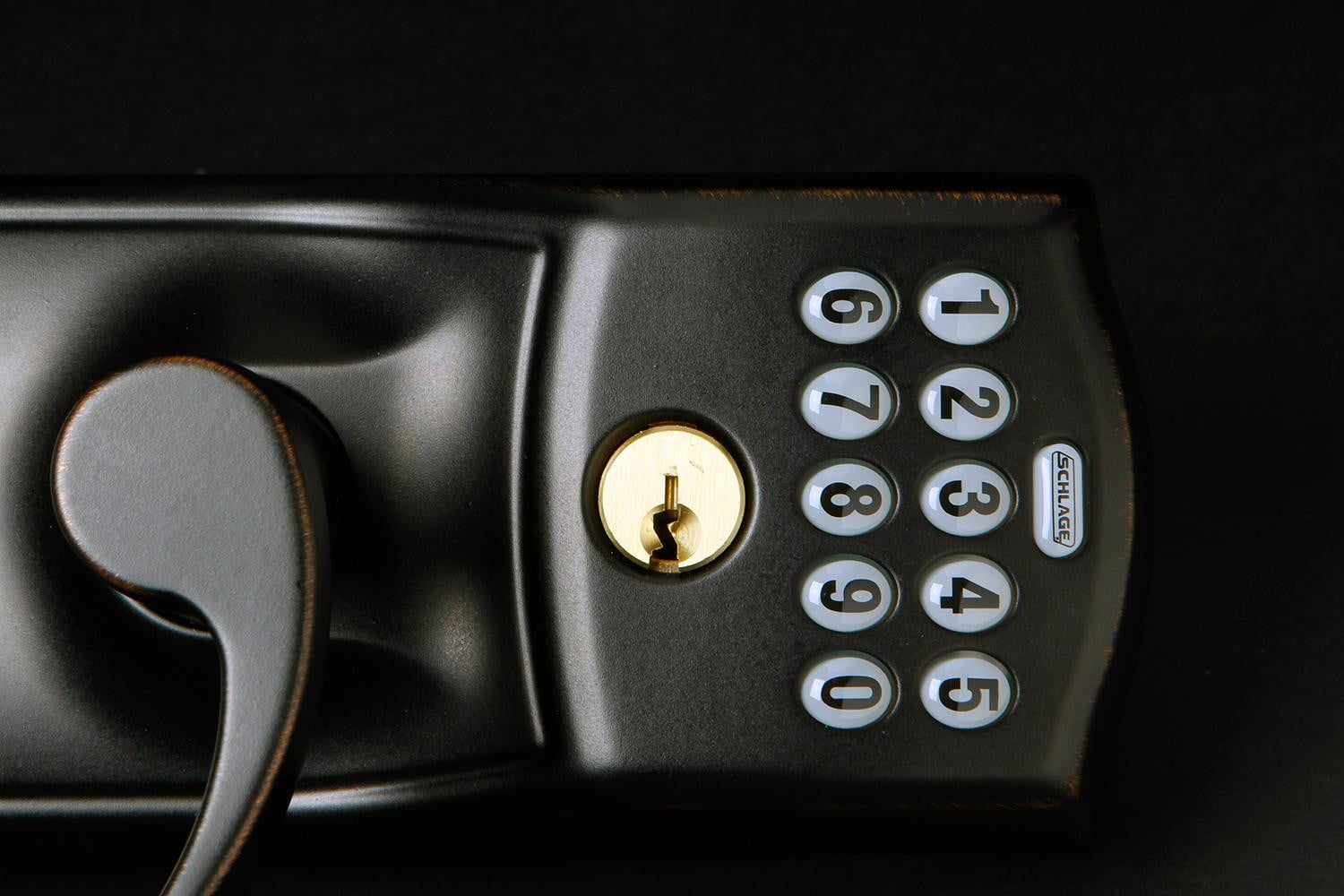 Low Voltage Keypad : Schlage camelot electronic door lever review digital trends