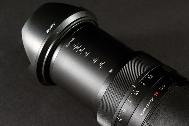 Sony DSC-RX10 review lens extended