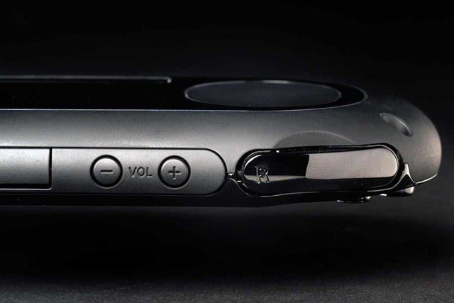 Sony PlayStation Vita Slim review right bumper