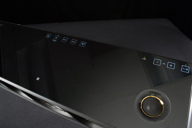 Sony SRS X9 top buttons