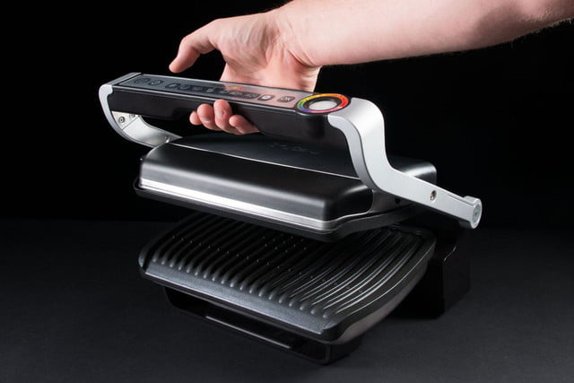 T-fal-Optigrill-handle-in-hand
