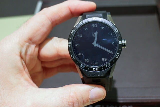 tag heuer carrera connected hands on review 12