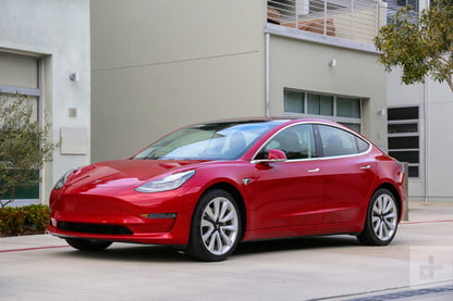 Tesla Model 3 Loses Recommended Rating from Consumer Reports