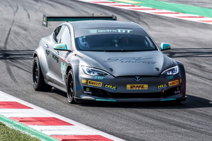 Electric Gt Race Series Takes Tesla S Ludicrous Mode To The Track