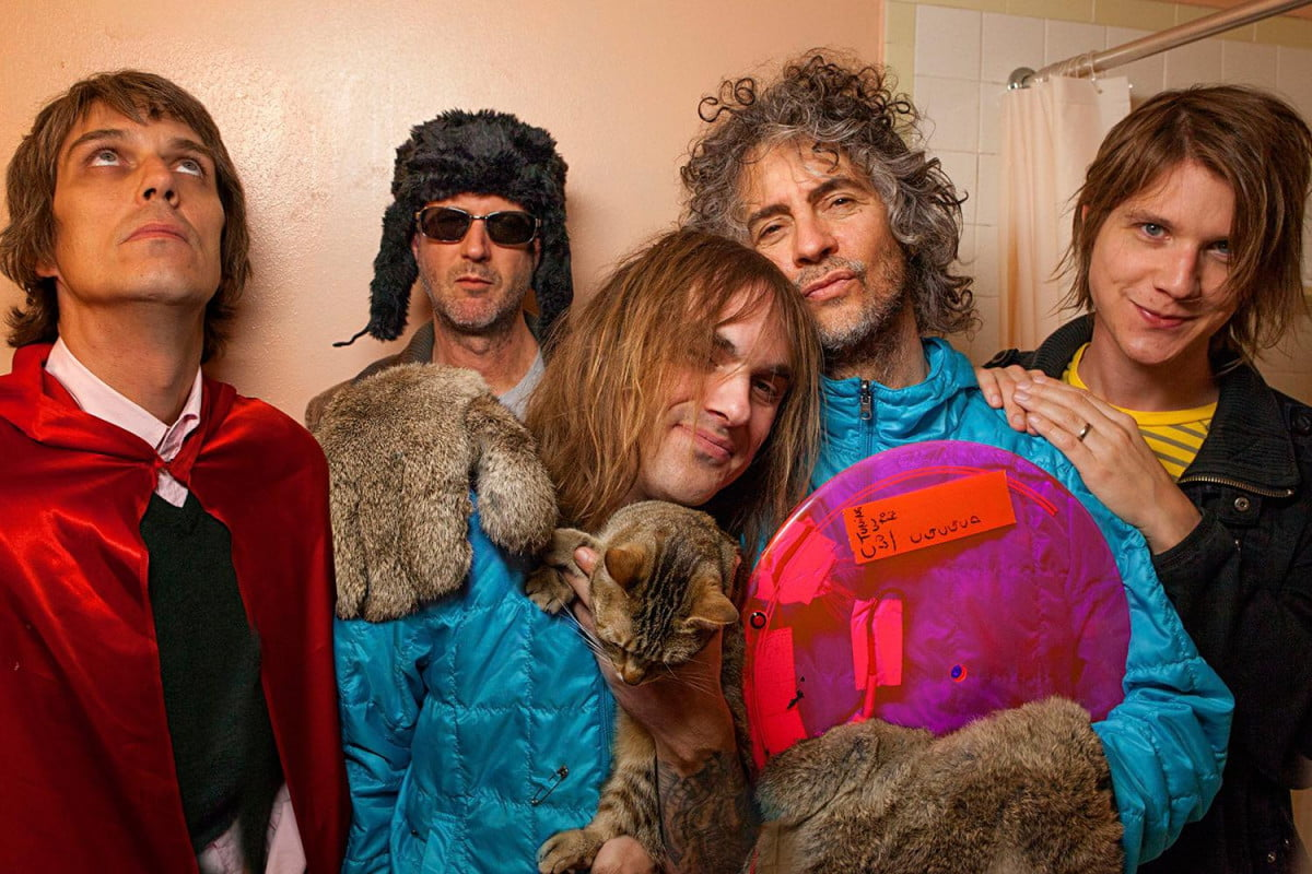 interview wayne coyne of the flaming lips on remaking sgt pepper with miley cyrus color band shot photo by george salisbury
