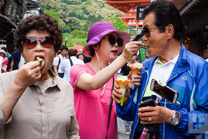 how to motivate yourself and get into street photography trevor mogg  ice cream