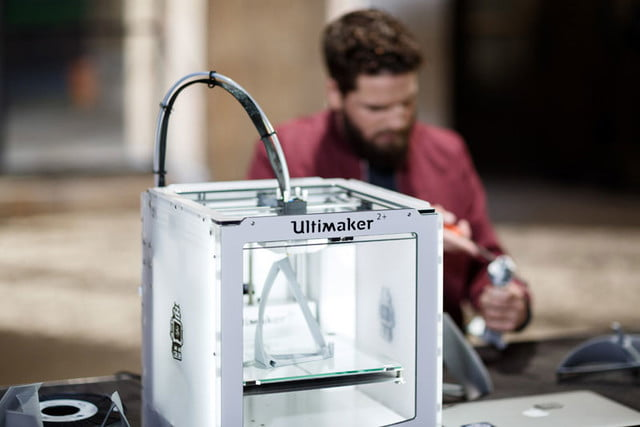 ultimaker unveils two new 3d printers at ces 2016 2 plus makerbot fabricator