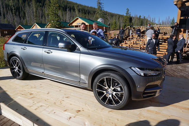 volvo v90 cross country news specs pictures 03