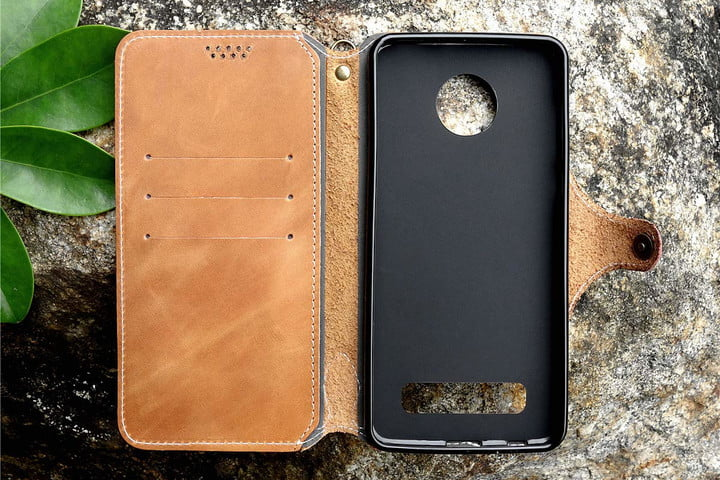timeless design 71e13 f1d78 The Best Moto Z4 Cases to Boost Your New Phone's Longevity | Digital ...